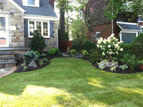 landscaping small front yards landscape traditional with