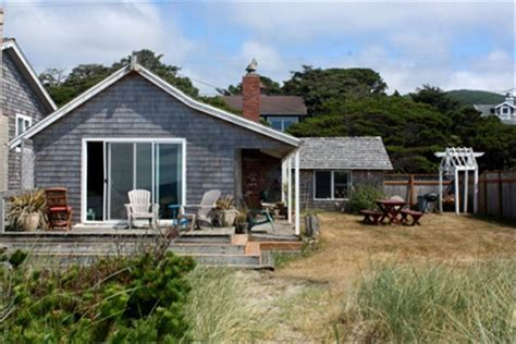 coast cottages oceanfront beach cottage rockaway beach vrbo