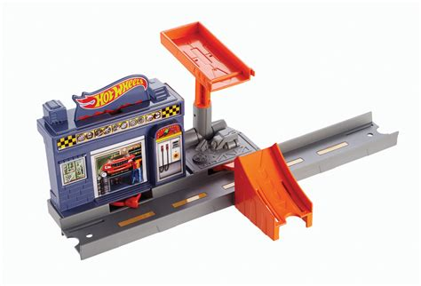 Track Builder Hotwheels Pack A wheels track builder crossroad crash stunt pack shop wheels cars trucks race tracks
