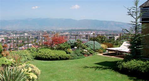 tetto giardino tetto giardino sfruttare gli spazi condominiali