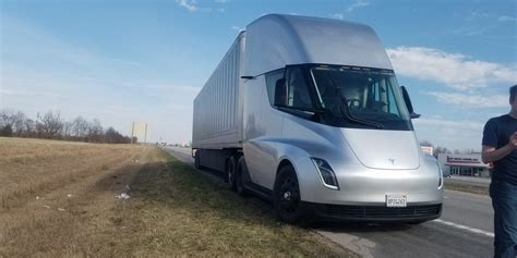 2020 tesla semi what to expect from tesla in 2019 model y model s x
