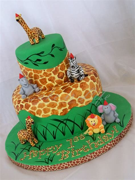jungle themed birthday cake giraffe cake is life