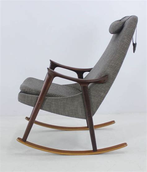 armchair rocking chair 1000 ideas about modern rocking chairs on pinterest
