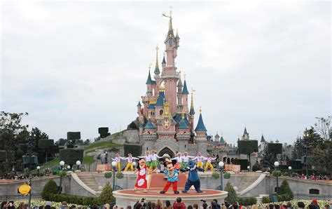 disneyland paris evacuated reports of suspicious package - Entradas Eurodisney Paris