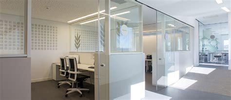 biombos separadores oficina biombos y paneles separadores de oficina hermarta