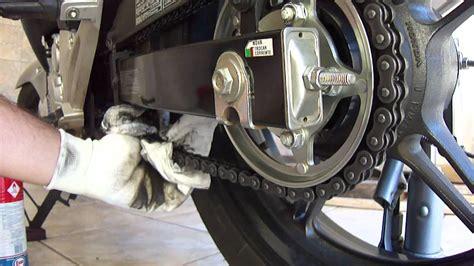 limpando  lubrificando  corrente de sua moto part