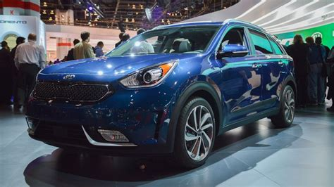 What Year Did Kia Come Out 2017 Kia Niro Release Date Price And Specs Roadshow