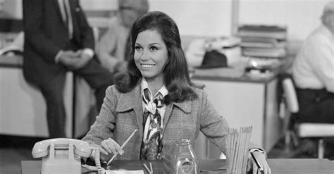 postscript mary tyler moore the new yorker making it on my own with mary tyler moore as a guide