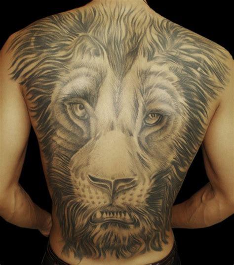 tattoo back lion black and grey lion head tattoo on full back