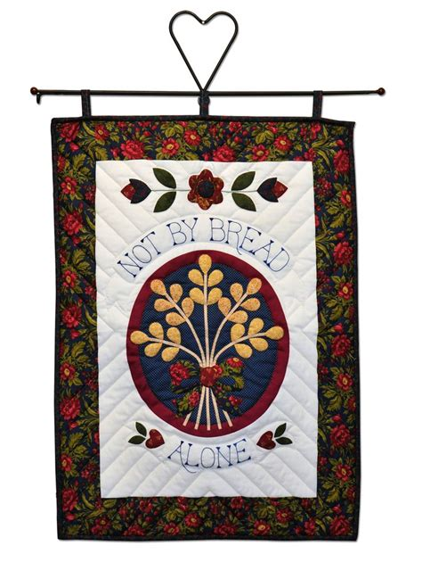 Handmade Quilted Wall Hangings - 1000 images about amish quilts on