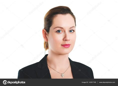 35 year old woman hair st business portrait of 35 year old woman in formalwear