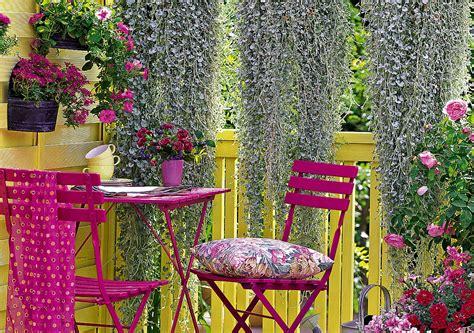 fiori sul balcone i fiori da mettere sul balcone donna moderna