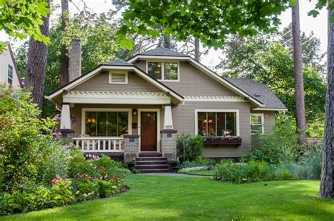 the american craftsman house monarch landscape a 1920s bungalow for sale in spokane hooked on houses