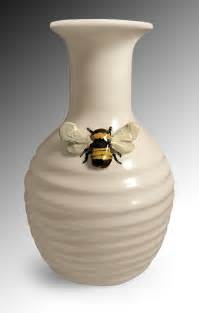 vase keramik bee vase by scroggins ceramic vase artful home