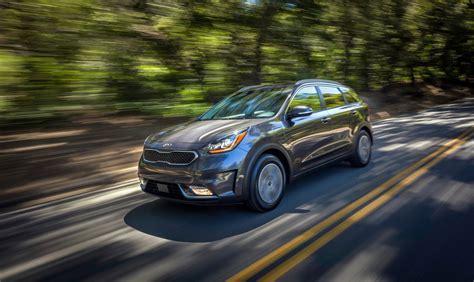 2018 kia niro in hybrid can drive up to 26 in