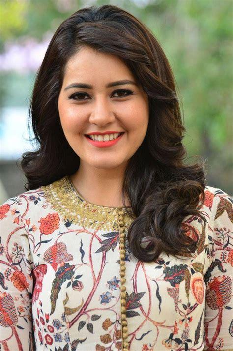 south actress rashi raashi khanna to sing for balakrishnudu desimartini