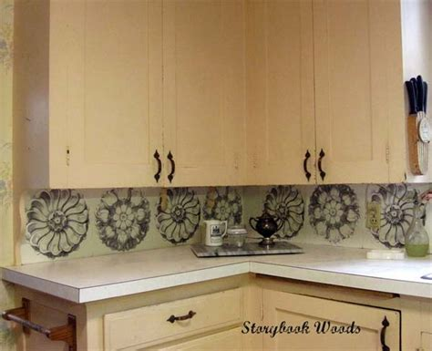 Inexpensive Kitchen Backsplash by 24 Low Cost Diy Kitchen Backsplash Ideas And Tutorials