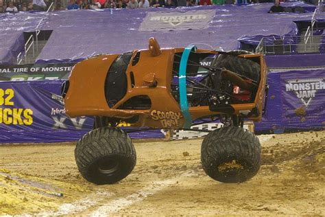 scooby doo monster truck video scooby doo monster jam