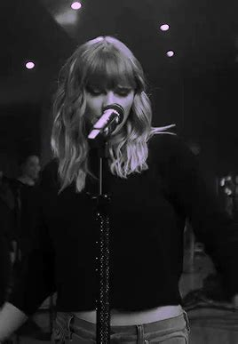 taylor swift delicate live acoustic taylor swift acoustic tumblr