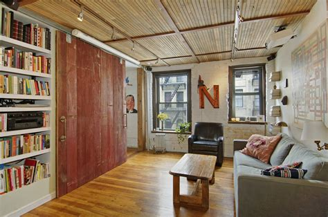 Living Room Nyc Lower East Side Lower East Side Rental At 141 Attorney St Oozes Rustic