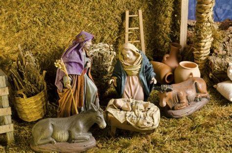 donde nacio el arbol de navidad 191 c 243 mo decorar un pesebre navide 241 o