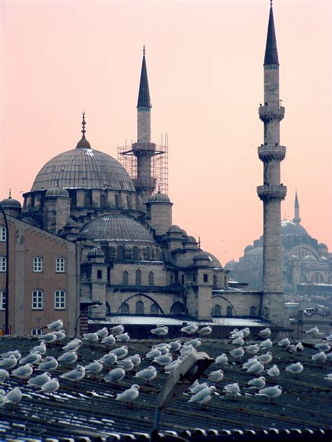 File:Mosques in Istanbul at dusk.jpg - Wikimedia Commons