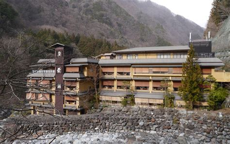 oldest in the world nishiyama onsen keiunkan guinness world records as the oldest hotel in the world