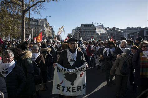 etã vasco de personas marchan en par 237 s por el acercamiento de