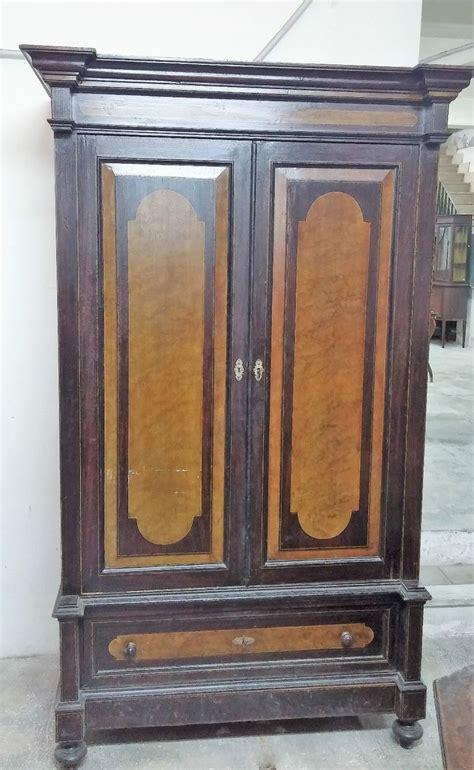 armadio antico oltre 1000 idee su armadio antico su mobili