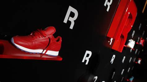 adidas wallpaper weiß sneaker art wallpaper 62 images