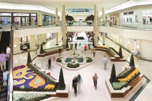 this retailer has closed its doors in the gardens mall
