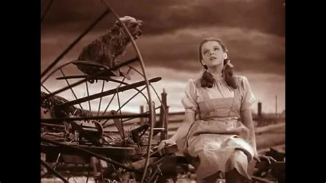 misteri film the wizard of oz the wizard of oz somewhere over the rainbow scene