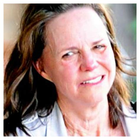 sally field hair and makeup celebrities without makeup who are also grandmothers 4