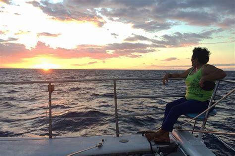 catamaran booze cruise hawaii sunset sails kona waikoloa big island cocktail cruise