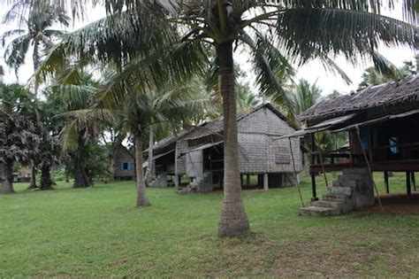 rabbit island cambodia bungalows yeay orm restaurant and guesthouse on rabbit island koh
