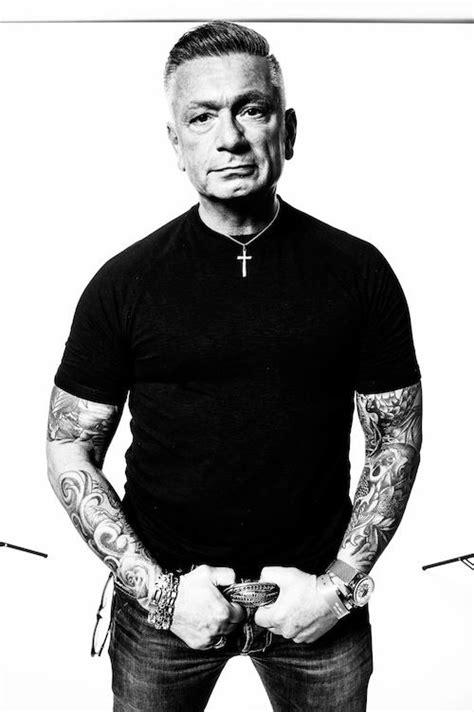 larry tattoos tattooed photography mann inkedmagazine