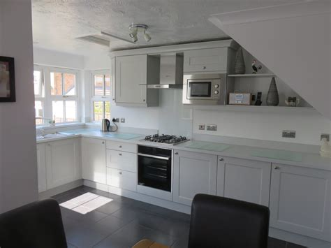 Light Grey Shaker Kitchen Light Grey Beaded Shaker Kitchen The Gallery Fitted Kitchens K Ford