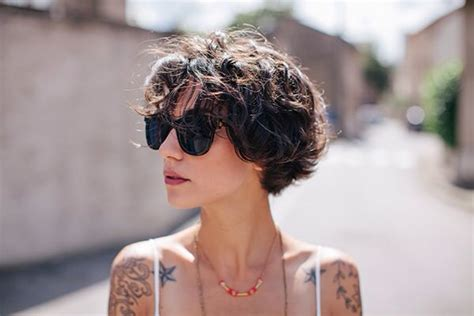 hairstyles arrange 117 best cheveux images on pinterest curly hair hair