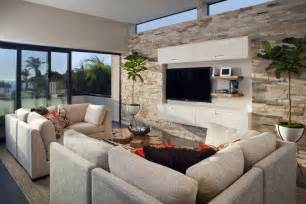 steinwand wohnzimmer kleben steinwand im wohnzimmer wanddeko mit verblendsteinen