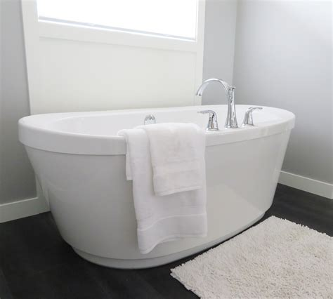 remove rust from sinks and tubs how to remove rust stains from sinks tubs and toilets