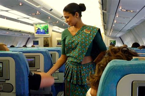 how to become a flight attendant for airlines in the middle east books 9 things to before you date a flight attendant
