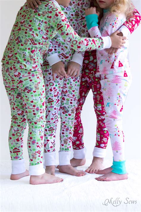 Marni Does Pyjamas Actually Day Clothes by Diy Pajamas Sew Pajamas With This Free Pattern