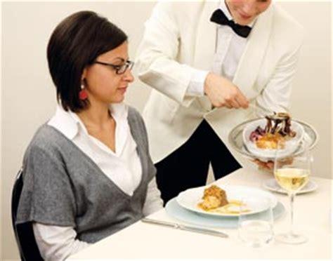 servizio cameriere stili di servizi lessons tes teach