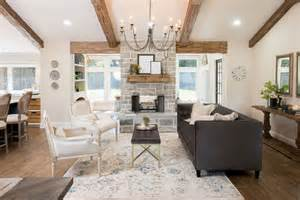 Church Pew Dining Bench 1000 Ideas About Fixer Upper On Pinterest Joanna Gaines