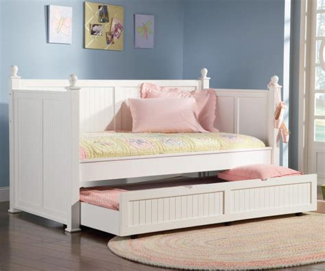 White Wooden Daybed Hudson White Wood Daybed With Trundle