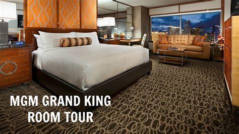mgm skylofts room tour youtube mgm grand king room tour 2017 lovelycharm youtube