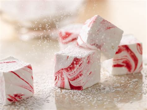 Handmade Marshmallow - easy peppermint marshmallows cocoa