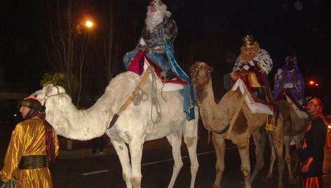 imagenes reyes magos en camello los reyes magos llegan a hu 233 rcal en camello y a g 225 dor en