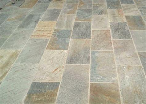 terrasse quartzite calcaire et quartzite dallage opus et mural