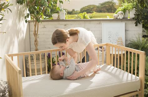 Naturepedic Organic Cotton Lightweight Classic 2 Stage Crib Mattress Naturepedic Lightweight Ultra Breathable 2 Stage Organic Crib Mattress Family Choice Awards